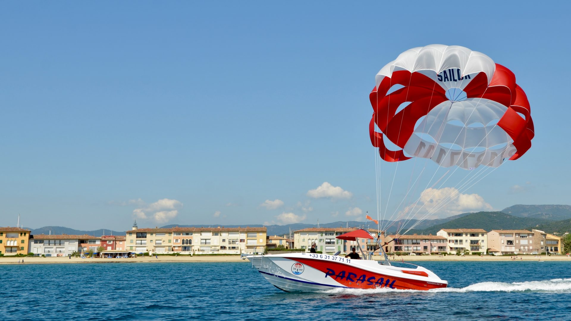 The flying sailor – Parachute ascensionnel Golfe de Saint Tropez